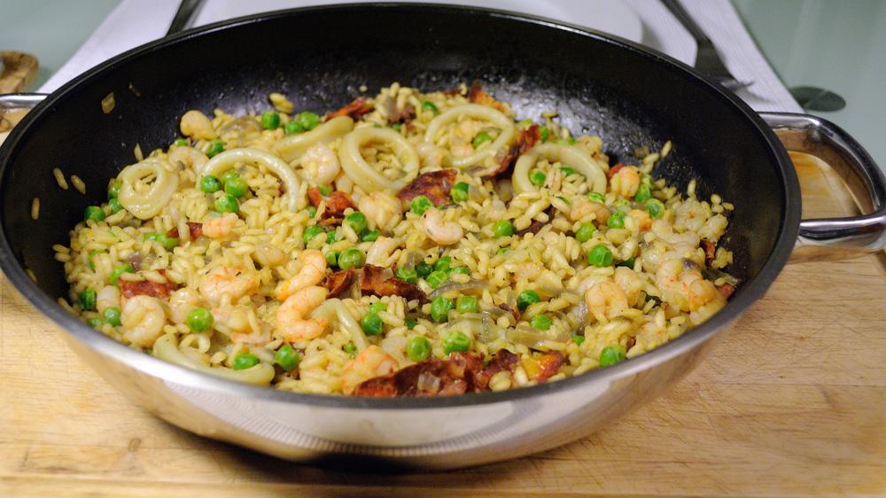 ориз с морски дарове